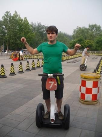 Martin sur un segway au parc Chaoyang, Beijing